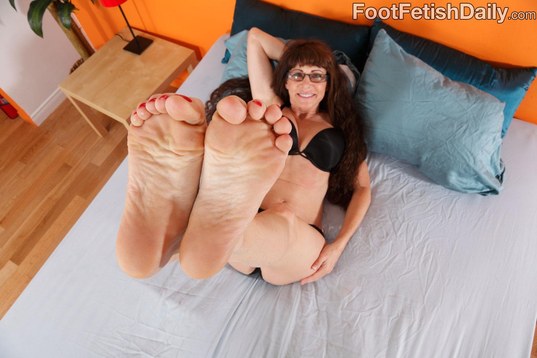 feet alexandra silk