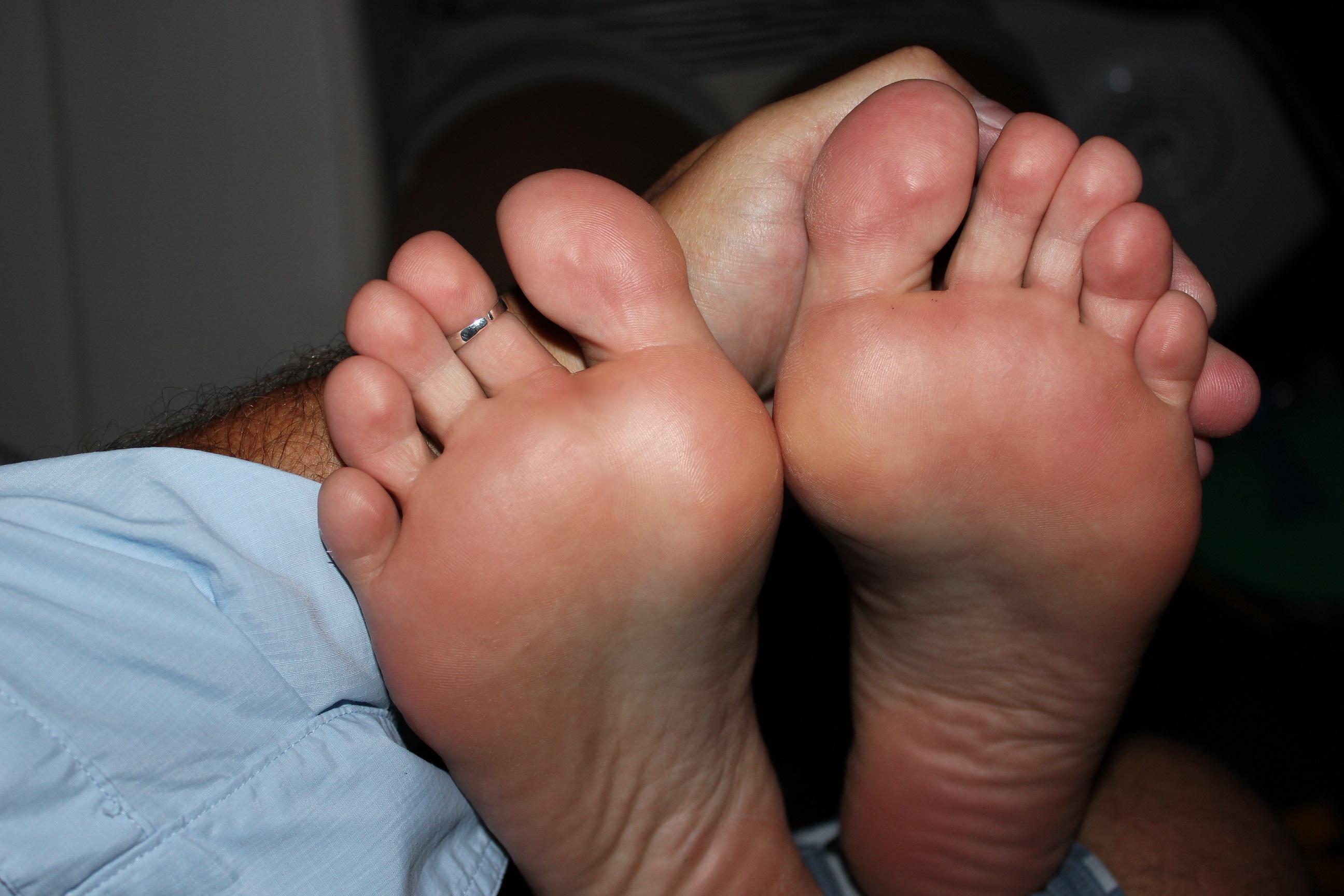 Xxx feet andi