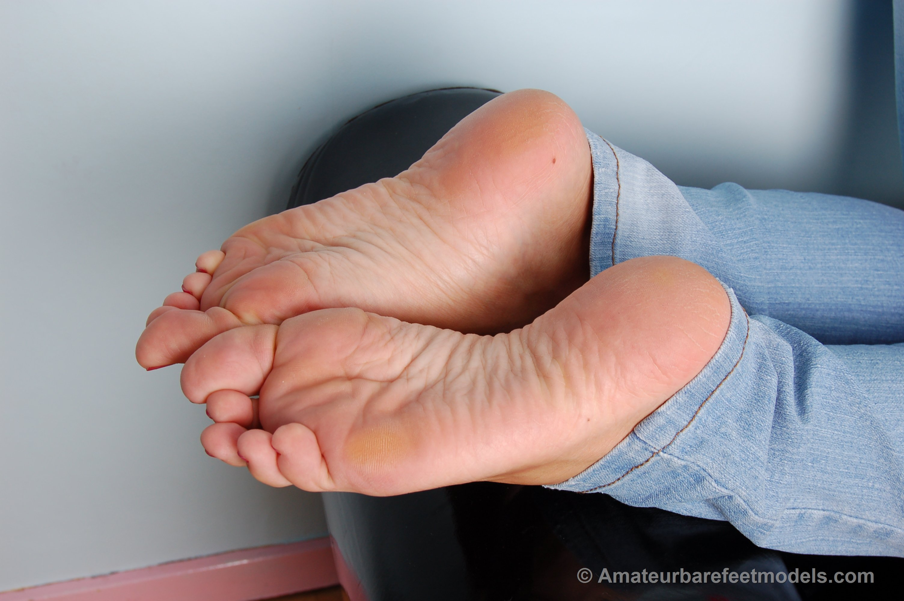 Soles and feet of french lady in amsterdam - 1 6