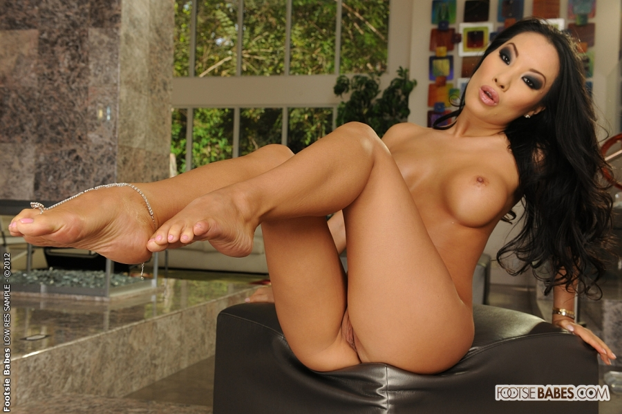 Foot fetish with asa akira and shyla stylez 5