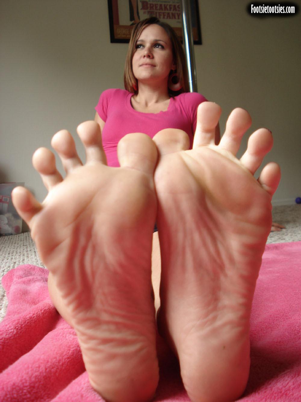 Tootsies foot fetish