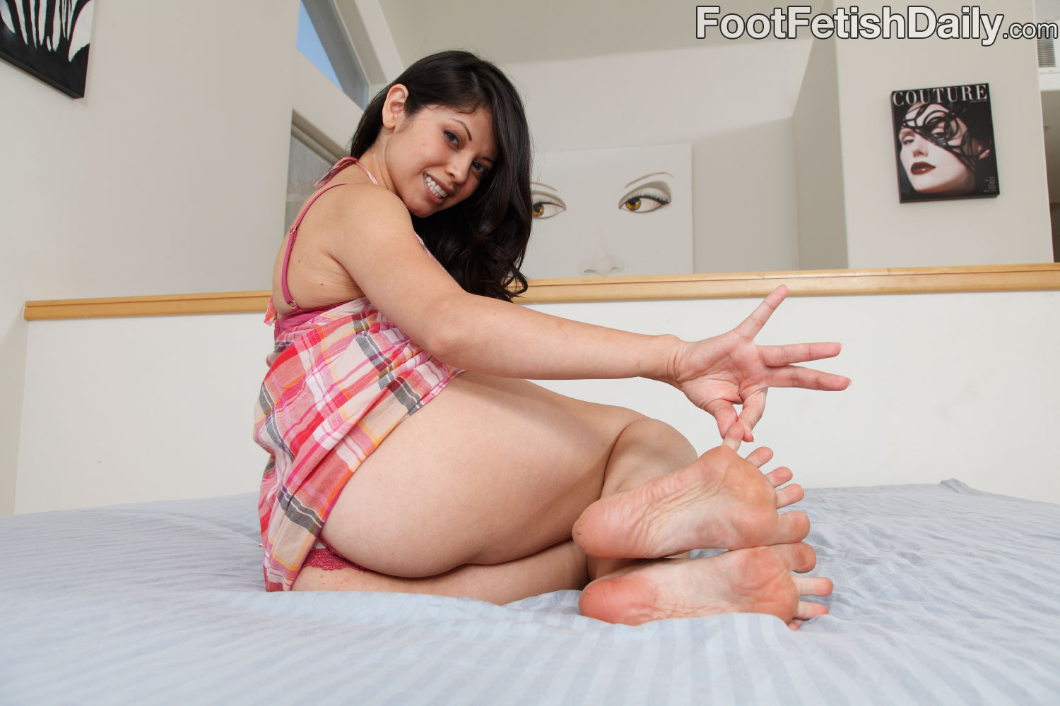 EVIE DELATOSSO SUCK FEET
