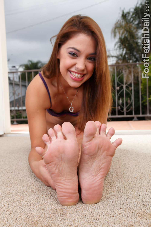 Gigi rivera feet