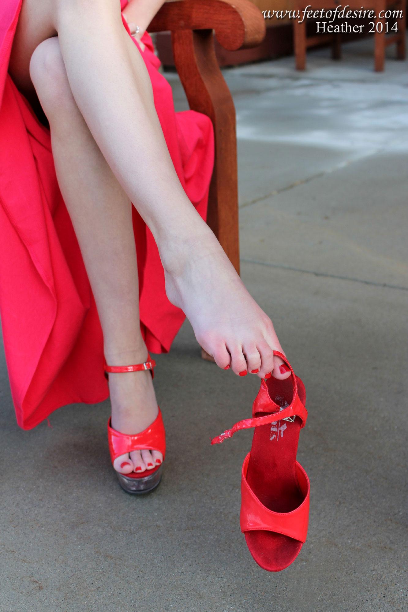 Feet Links Heather