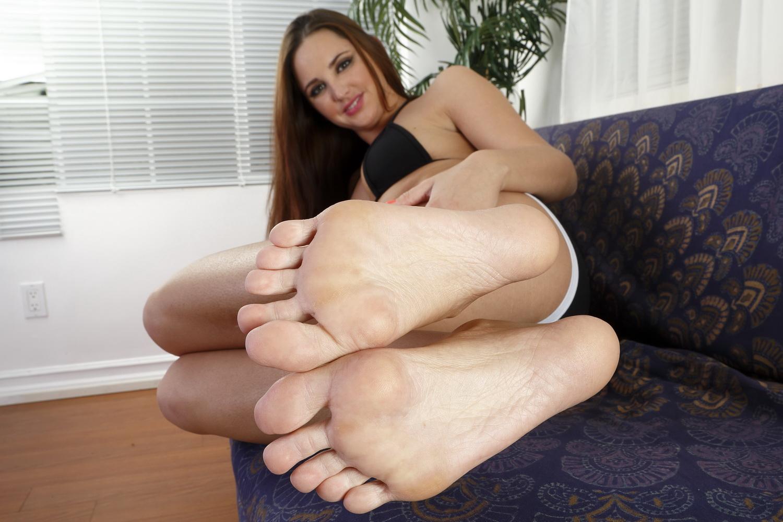 Фут фетиш красивые ножки, Извращенский фут фетиш с похотливыми зрелыми 25 фотография