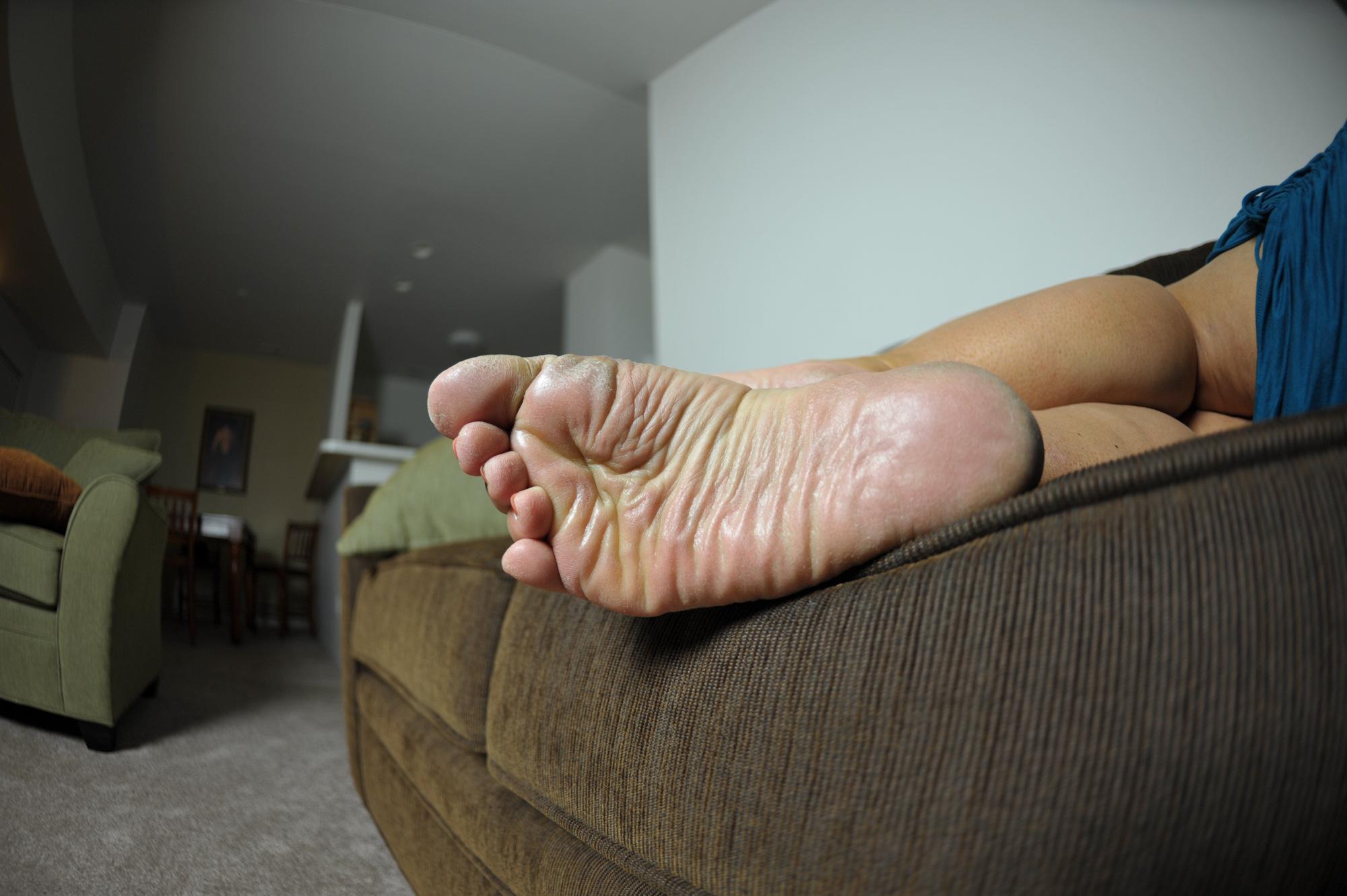 hypnotised lesbian feet