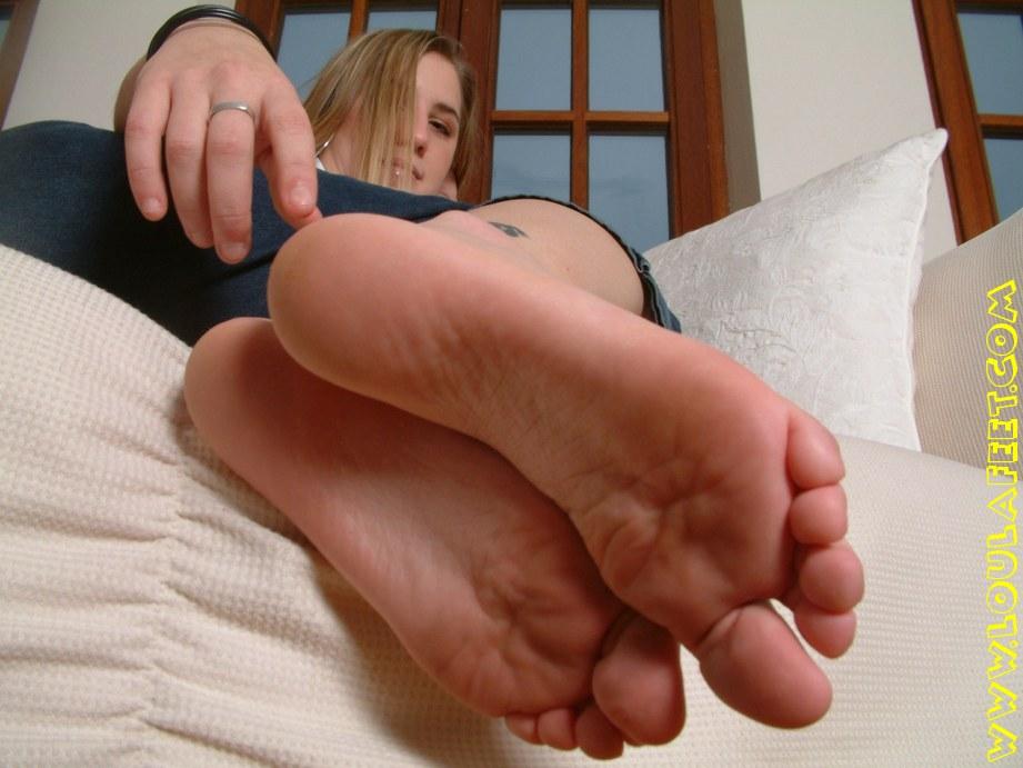 Жена ласкает член ступнями форум