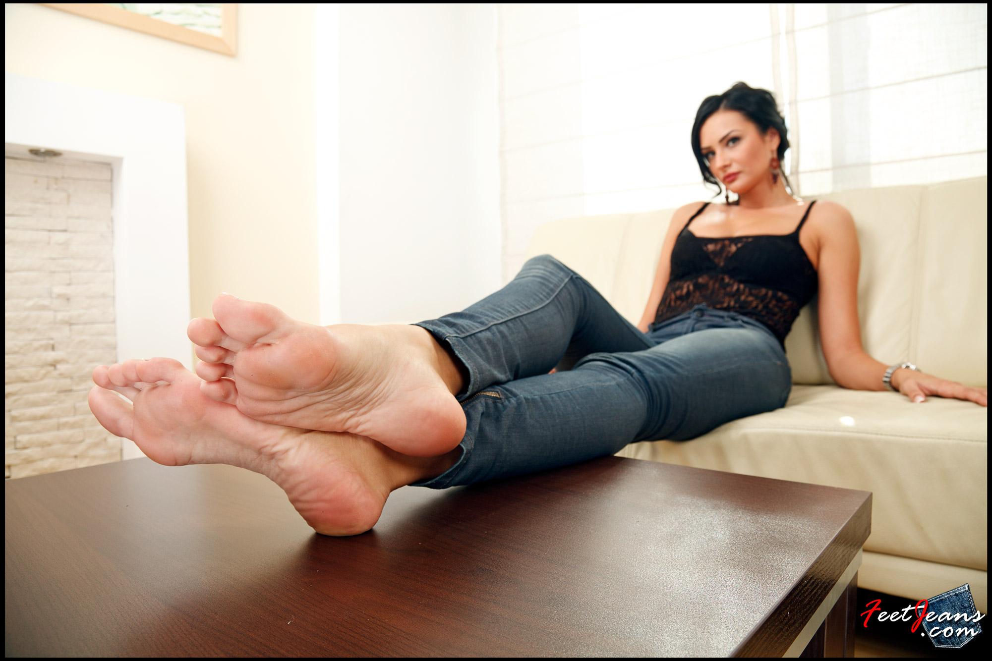 Фут фетиш красивые ножки, Извращенский фут фетиш с похотливыми зрелыми 26 фотография