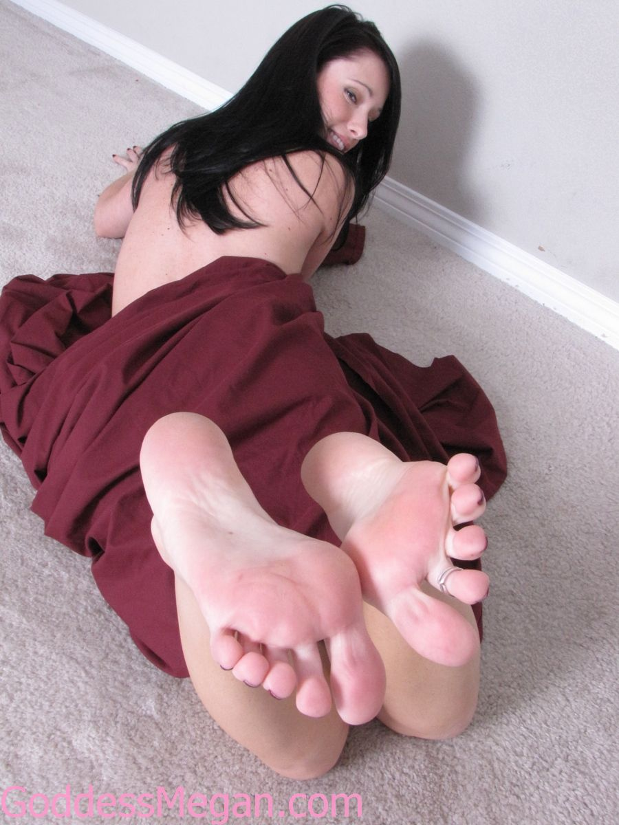 Flip flops domination and toes sucking 1