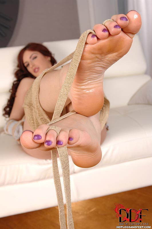 Mira sunset feet