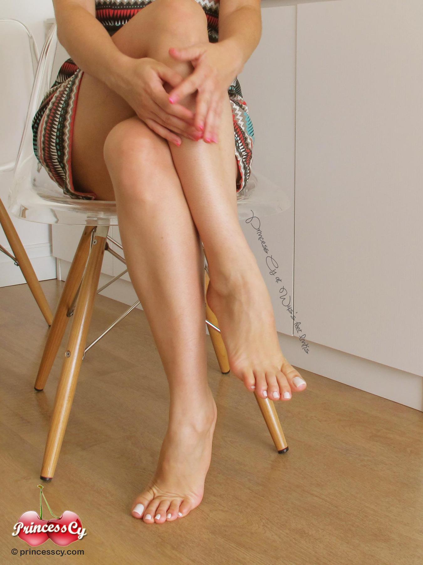 Princess cy feet