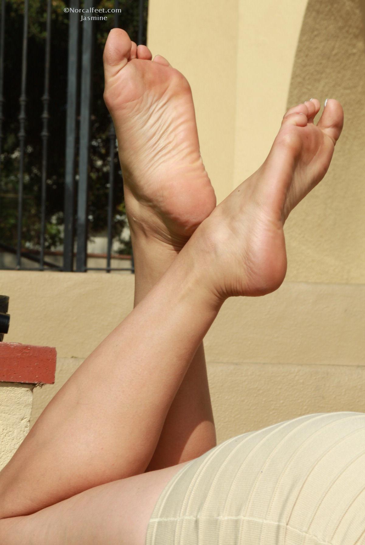 gay feet jasmine mendez