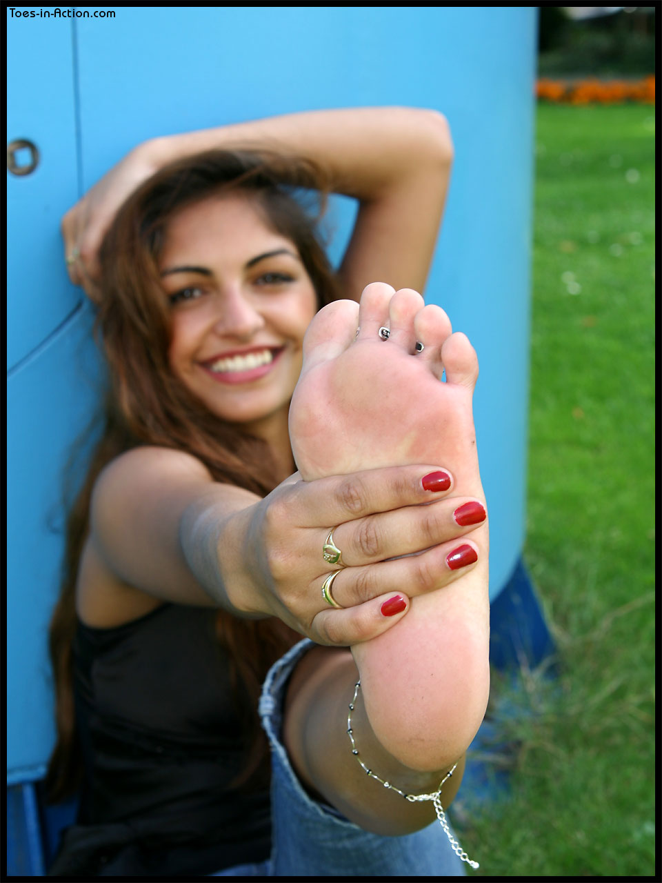 Is Bare Minerals Makeup Cruelty Free: Liyah's Pretty Bare Feet